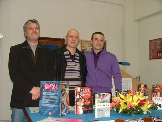 Presentazione della rivista a Barcellona p.g. - l'illustratore Giuseppe Orlando, il direttore culturale Mario Benenati e lo scrittore Antonino Genovese