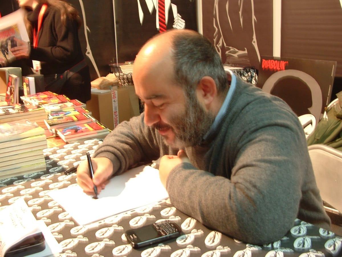 DSCF0091: Giuseppe Palumbo mentre disegna