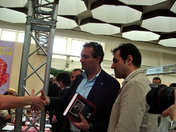 Comicon 2012: Claudio Curcio acompagna il Sindaco di Napoli in visita al festival