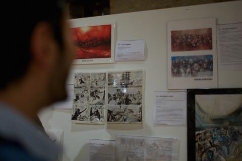 visitatori ammirano la mostra