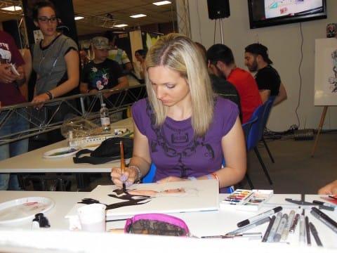 Emanuela Lupacchino disegna nell'area live