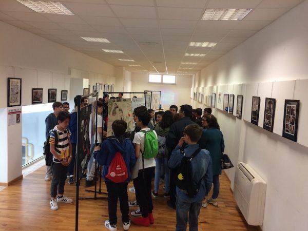 un altro momento dell'apertura della mostra all'Ex Pescheria