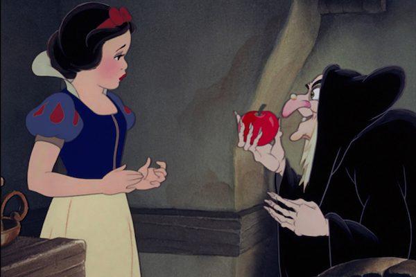Frame dal film di animazione Biancaneve-e-i-Sette-Nani-Disney-Halloween