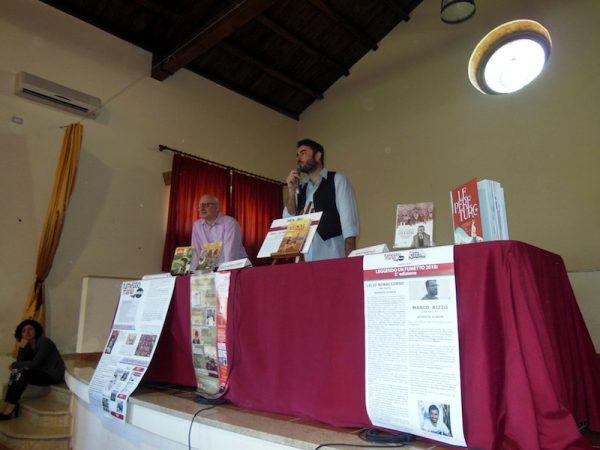 """Lelio Bonaccorso, incontra dagli studenti degli Istituti Comprensivi """"N. P. Balotta"""" e""""L. Capuana"""" all'Auditorium """"Maggiore La Rosa"""" a Barcellona P.G."""