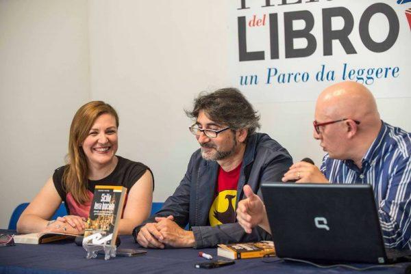 """Presentazione del romanzo """"Sicilia, Terra Bruciata"""" Con Vincenzo Maimone e Angelica Furnari"""