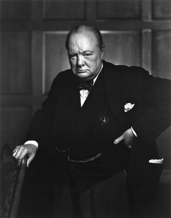 Il famoso ritratto fotografico di Winston Churchill ad opera di Yusuf Karsh.