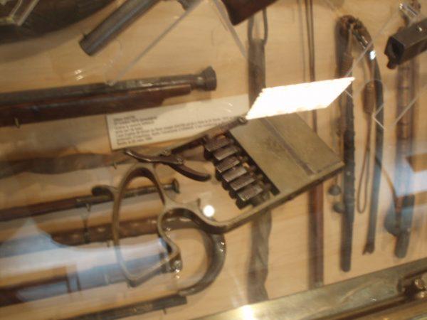 A pensarci bene, la pistola di Mastock a pagina 38 fu basata su un'altra dal medesimo museo.  Immagine 5 di 5