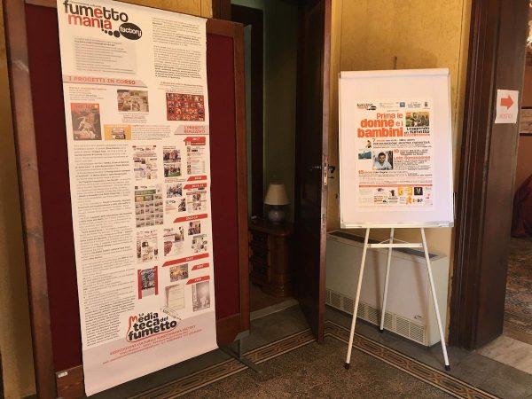 FOTO 5 – I due pannelli introduttivi alla mostra posti all'ingresso del Villino Liberty