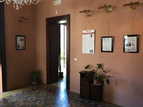 """FOTO 7 – alcune delle 33 tavole originali di """"Salvezza"""" esposte nella mostra al Villino Liberty"""