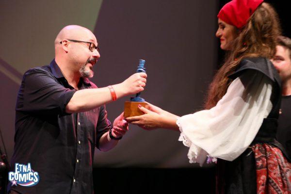 Fabrizio Dori ritira il Premio Coco come Miglior Autore Unico