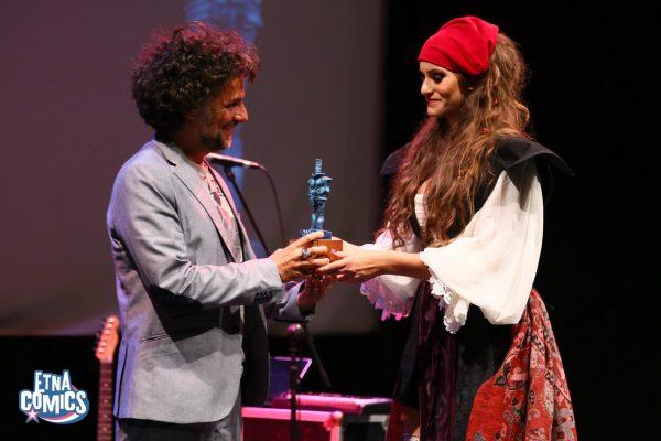 Lorenzo Calza ritira il Premio Coco  come Miglior Sceneggiatore.