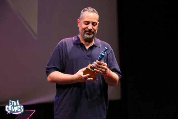 Werther Dell'Edera ritira il Premio Coco come Miglior Disegnatore