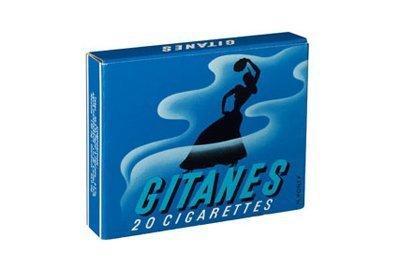 Gitanes è una famosa marca di sigarette francesi che hanno sul pacchetto una bellissima illustrazione art deco di una donna zigana danzante, e credo lo abbia tutt'ora.