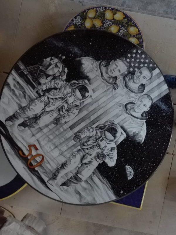 foto del tavolo di ceramica realizzato da Giuseppe Pollicelli finito