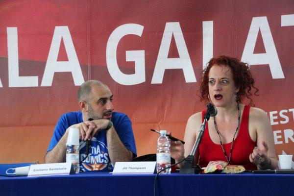 """Jill mentre racconta l'aneddoto accaduto ad una Convention, riguardante  """"I Segreti di Burden Hill"""".  Foto: ©Ambra Cirafisi - tutti i diritti riservati"""