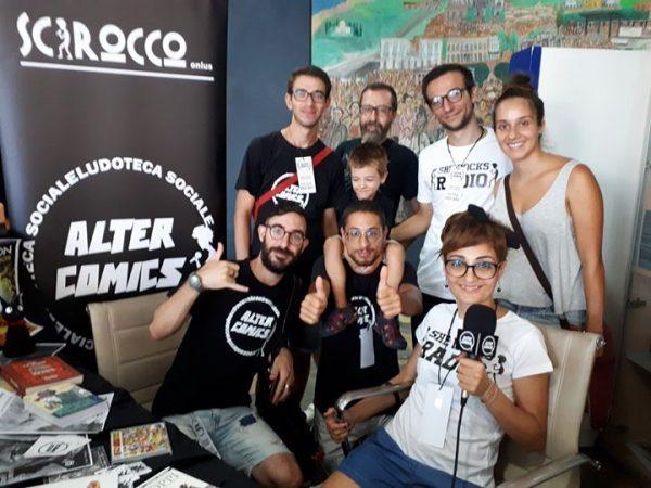 foto di gruppo dell'Associazione giovanile culturale Scirocco Onlus (Ludoteca Sociale)