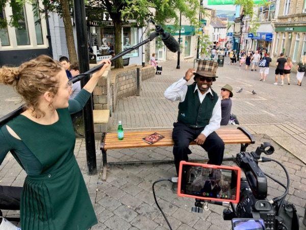 Yomi Ayeni ha registrato Comics, Clouds e Kendal Mint Cake a Kendal quest'estate