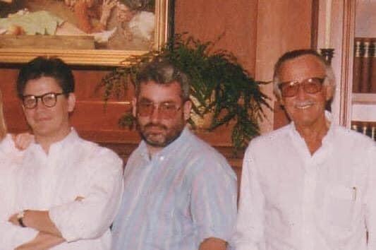 Foto di Tom DeFalco, con accanto Stan Lee