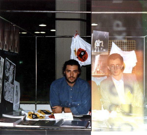 Stralcio foto con il nostro Stand, a Lucca comics (nov. 1990) con due giovanissimi Giuseppe Orlando e Mario Benenati